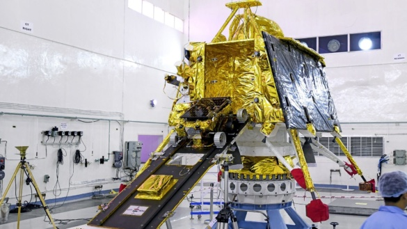 Tests of the Chandrayaan-2 Vikram lander and Pragyan rover / Credits: ISRO