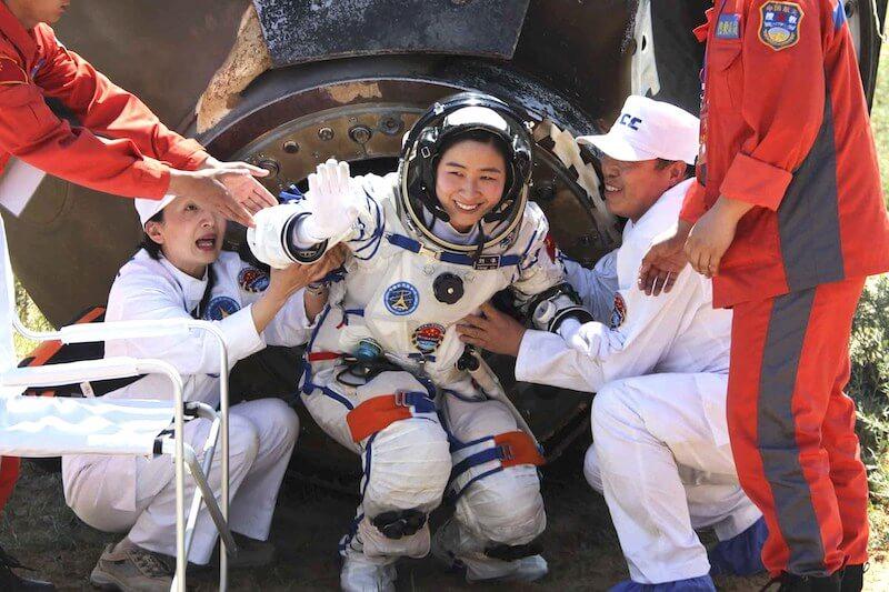 Liu Yang, pierwsza chińska astronautka po powrocie na Ziemię / Xinhua