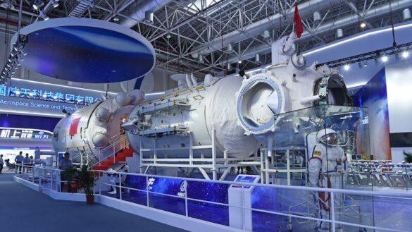 Model modulu Tianhe na Airshow China w 2018 roku / CNSA