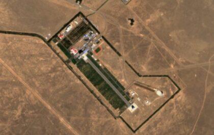 Chiński kosmodrom Jiuquan na pustyni Gobi / Zdjęcie z przetworzonych danych z satelitów Sentinel programu Copernicus